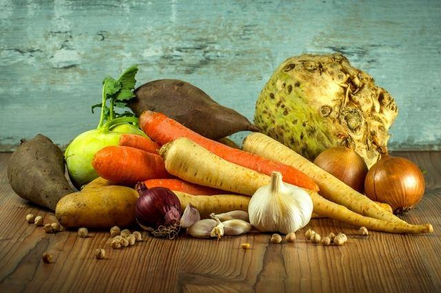 Для здорового желудка необходимы овощи и фрукты.