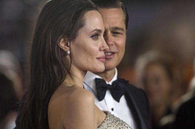 Джоли иПитт согласовали условия опеки над детьми