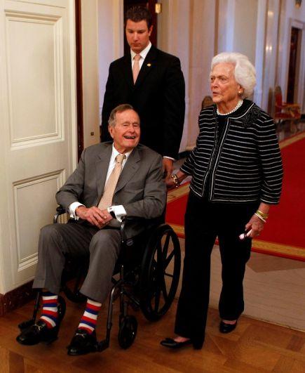 Джордж Буш-старший и Барбара Буш, 2012 г.