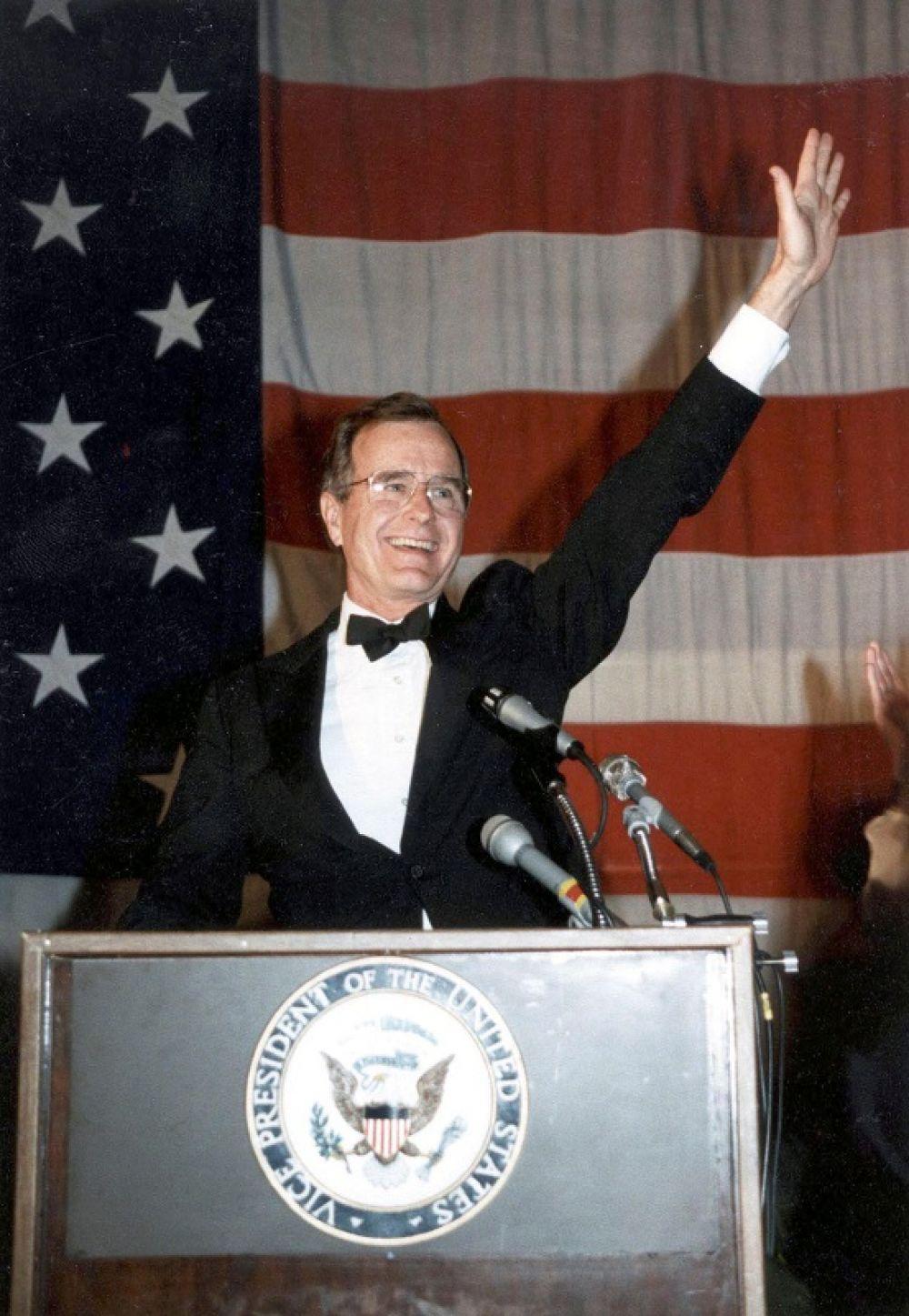 Вице-президент США Джордж Буш-старший, 1984 г.