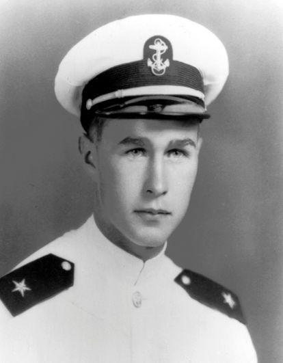 Джордж Буш-старший, 1943 г.
