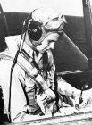 В 1941 г. Джордж Буш-старший вступил в ВМС США и стал самым молодым лётчиком в их истории.