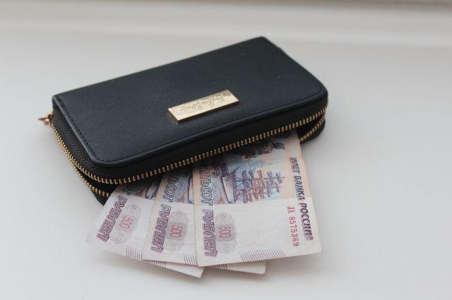 В соседней Туве жители тратят в два раза меньше денег на товары и услуги.