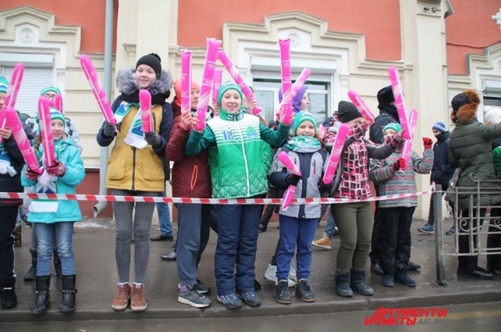 Участники Эстафеты дарили жителям Иркутска улыбки и хорошее настроение.