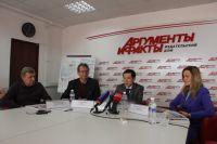 Олег Бадула и Сергей Александров (в центре)