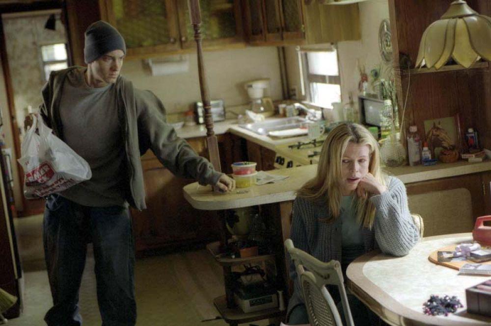 В 2002 году получила одну из главных ролей в фильме «Восьмая миля», где исполнила роль матери Джимми «Кролика» младшего, которого сыграл Эминем.