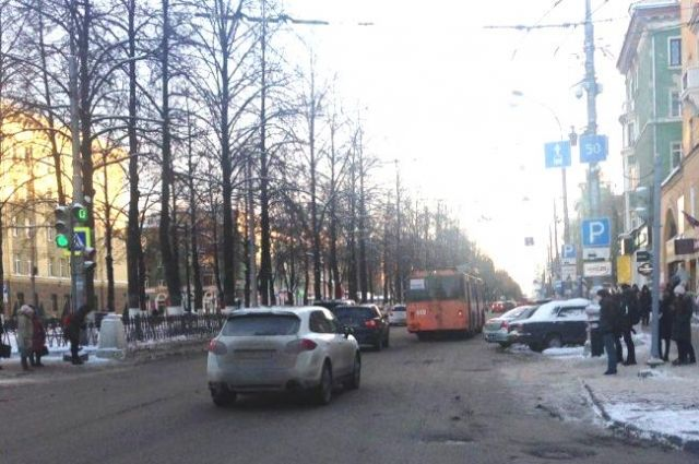 Внедорожник в центре Перми сбил подростка и скрылся с места ДТП.