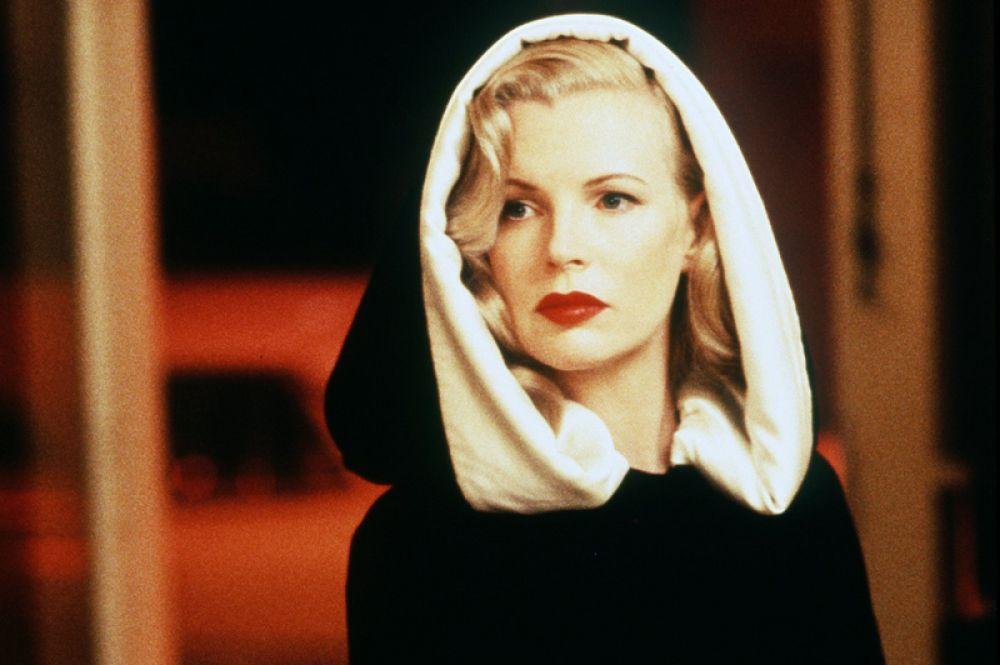 В 1997 году за роль в фильме «Секреты Лос-Анджелеса» Бейсингер получила «Оскар» и «Золотой глобус» как лучшая актриса второго плана.