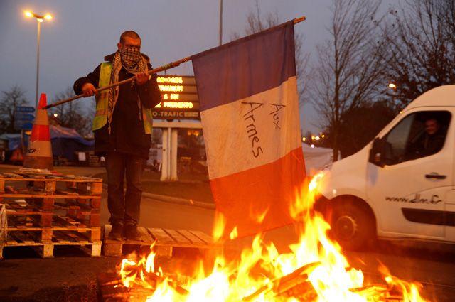 Возвращение в 1968 год. Почему во Франции вспыхнули массовые беспорядки?