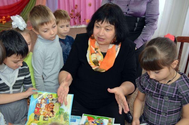 Современных детей Любовь Шубная считает читающим поколением.