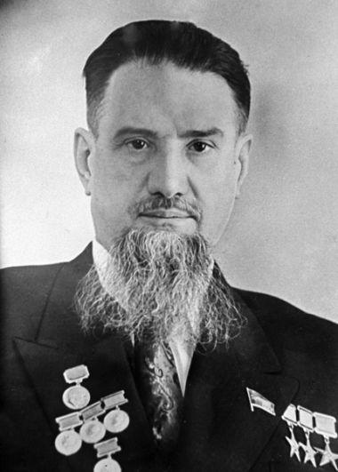 Челябинск — физик Игорь Курчатов.
