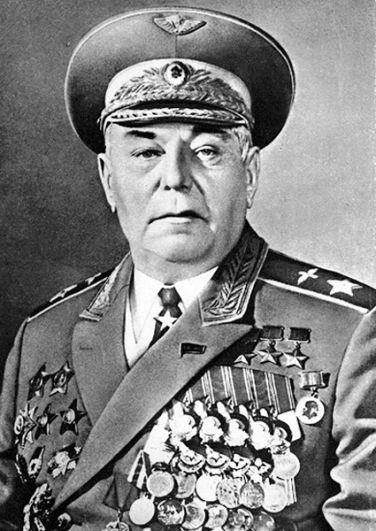 Новосибирск — летчик Александр Покрышкин.