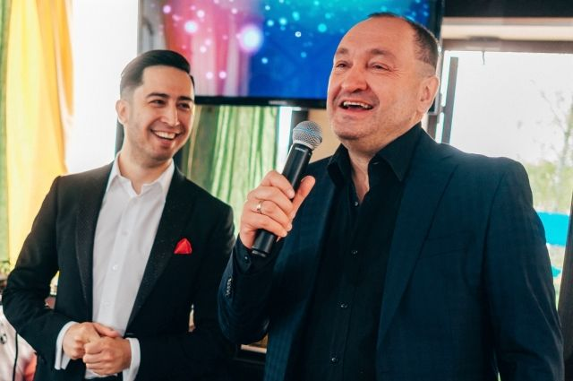 Руслан Мазитов (слева) вместе с Сергеем Ёршовым, исполнителем роли Иваныча из сериала