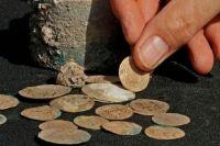 Целое состояние: в Израиле нашли кувшин с золотом времен крестовых походов