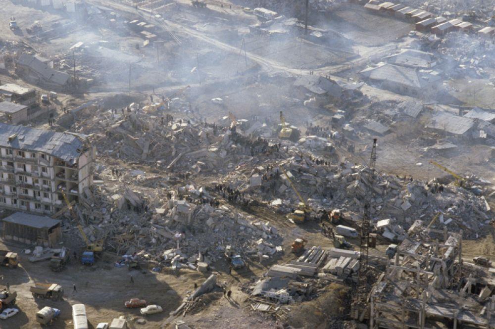 В общей сложности, от удара стихии пострадала почти половина территории Армении.