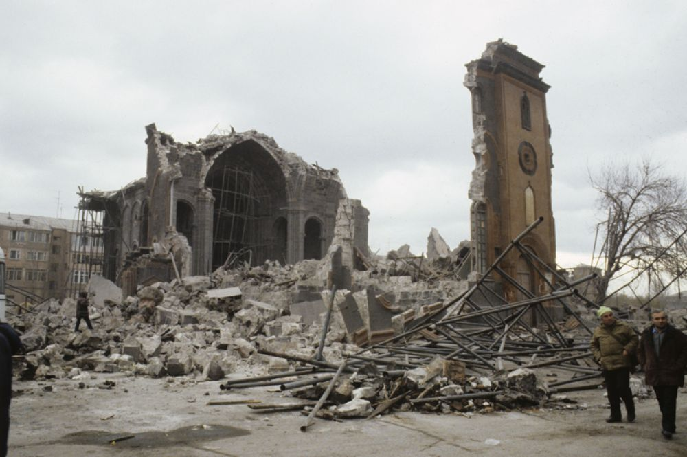 Разрушения в Ленинакане (нынешний Гюмри).