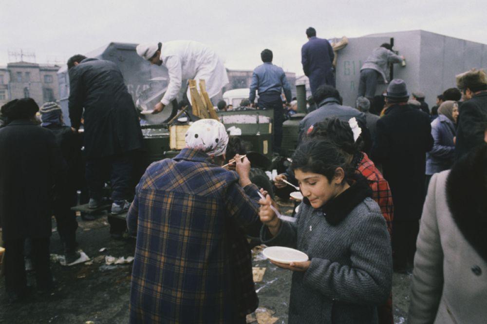 Сбор гуманитарной помощи проводился по всему СССР.