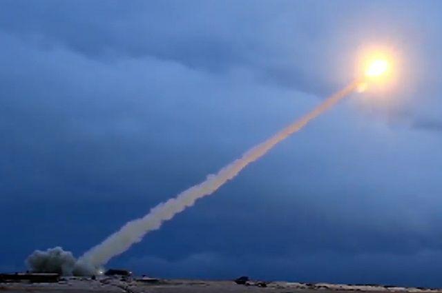Испытания крылатой ракеты с ядерным двигателем «Буревестник». Июль 2018 г. Скриншот видео, предоставленного Минобороны РФ.
