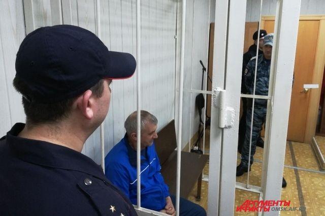 Защита настаивала на домашнем аресте, но суд не согласился