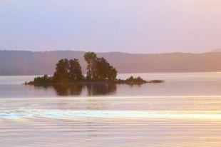 Остров Голец на озере Чебаркуль.