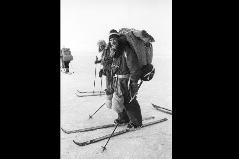 Участники советско-канадского трансарктического лыжного перехода СССР-Северный полюс-Канада. Справа — Федор Конюхов. 1987 год.