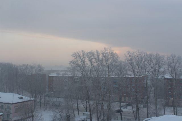 Мороз и отсутствие ветра способствуют накоплению в воздухе вредных веществ.