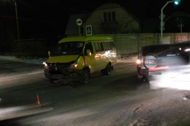 В Новотроицке в ДТП с «ГАЗелью» и «Нивой» пострадала пенсионерка