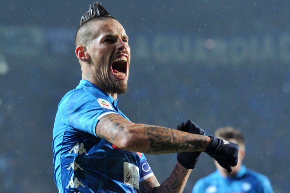 Футбол, чемпионат Италии, серия А. Футболист «Наполи» Марек Гамшик празднует победу после матча с «Атлантой».