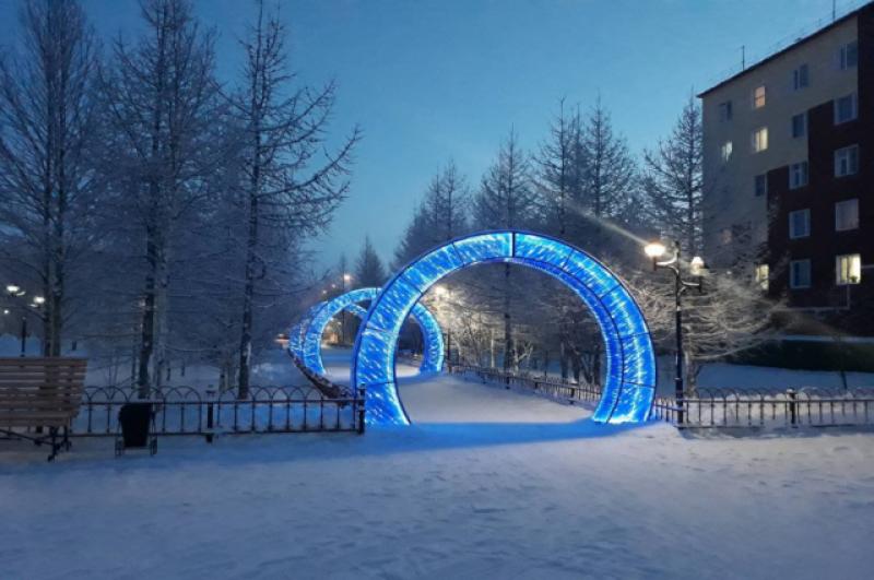 Световые ворота стали еще одним украшением Лабытнанги.