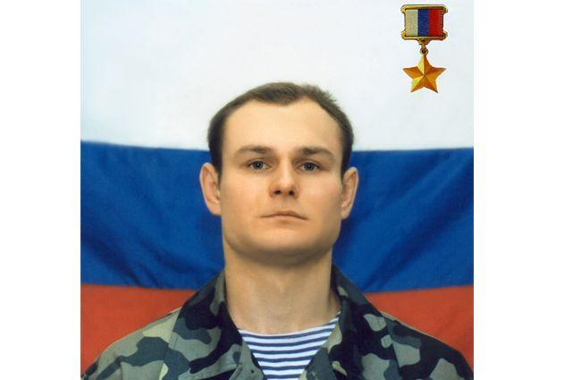Герой России капитан милиции Олег Охрименко.