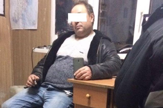 В Одесской области водитель отвез студентку-пассажирку в лес и изнасиловал