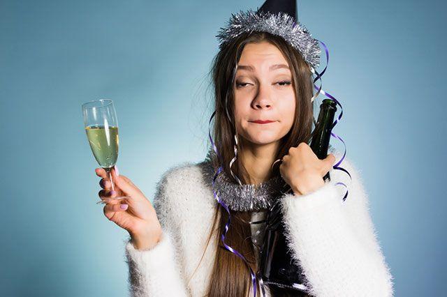 Здравствуй, дедушка запой. Алкоголь может превратить Новый год в последний