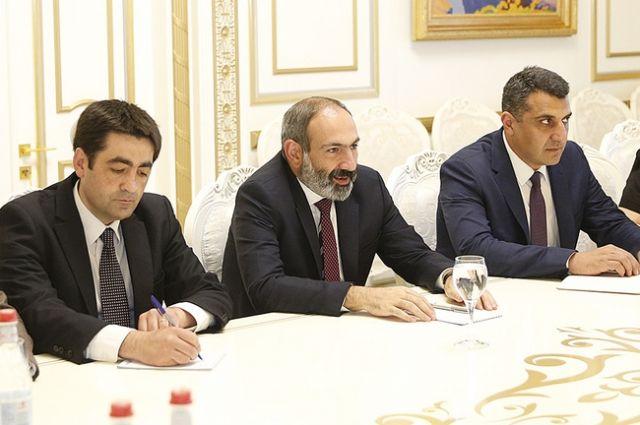 Пашинян: граждане Армении голосуют за «революционное большинство»