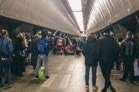 Резко перестала дышать: в Киеве в метро умерла девятилетняя девочка