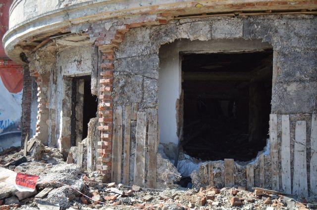 Часто живодёры издеваются над питомцами в заброшенных зданиях.