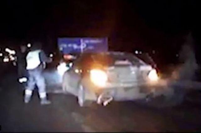 Омская полиция устроила погоню за автомобилем с вооруженными людьми