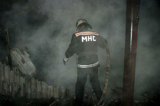 В результате пожара в частном жилом доме в городе Золотоноша Черкасской области погибли три человека.