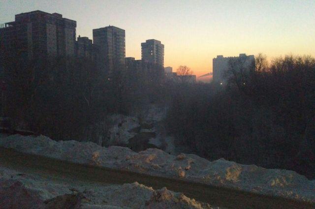 Из-за дымки над Новосибирском нечем дышать.