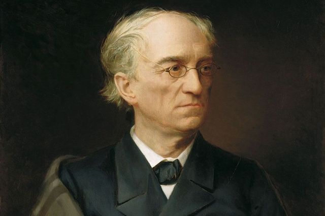 Автор знаменитых строк - Фёдор Тютчев.
