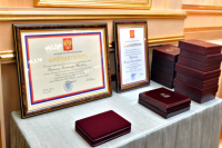Ямальцы получили государственные награды в день рождения округа