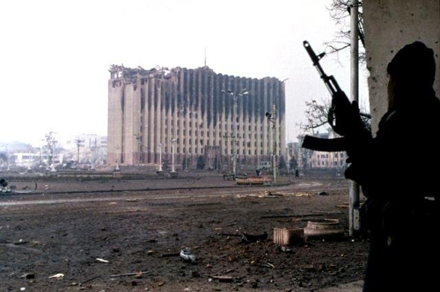 Бои вокруг здания бывшего республиканского комитета КПСС («Президентского дворца») в Грозном.