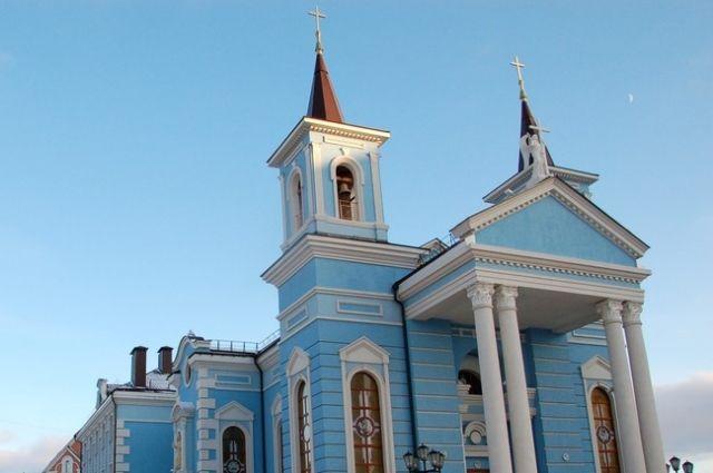 Приставы возбудили исполнительное производство в отношении католического храма «Мария – Царица Мира» в Березниках.