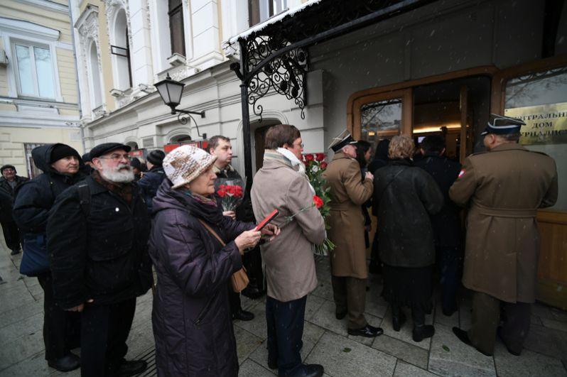 На церемонии прощания с правозащитницей Людмилой Алексеевой в Центральном доме журналиста в Москве.