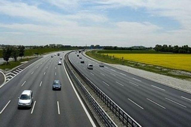 Каждый год в Украине все больше денег выделяют на ремонт и постройку транспортной системы.