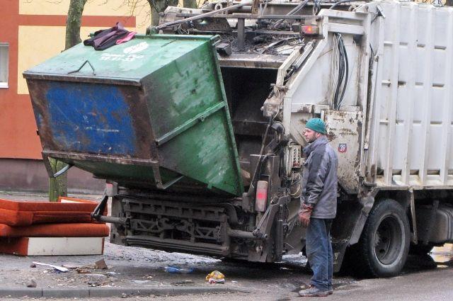 С 1 января 2019 года калининградцы будут платить за вывоз мусора по-новому.