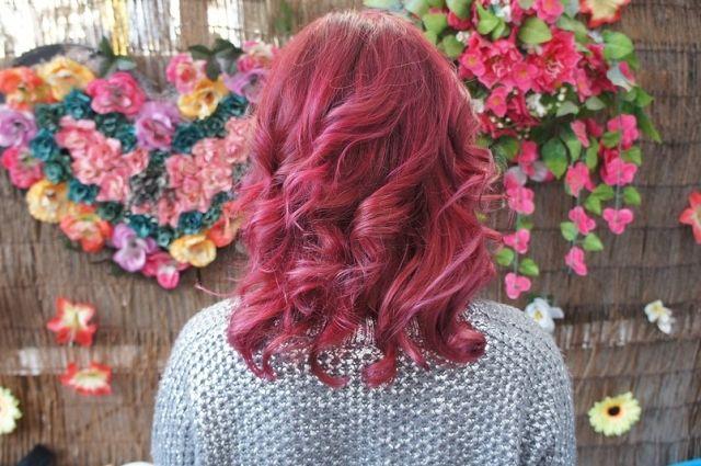 Школам не разрешили включать в положения запрет на окрашивание волос в яркие, неестественные цвета, экстравагантные стрижки и причёски.