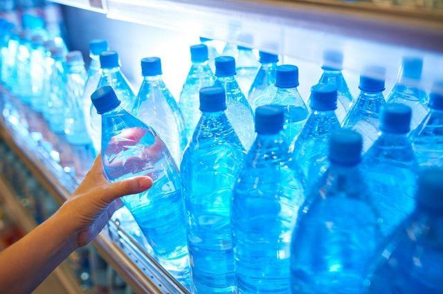 В Украине половина фасованной питьевой воды разливается из-под крана