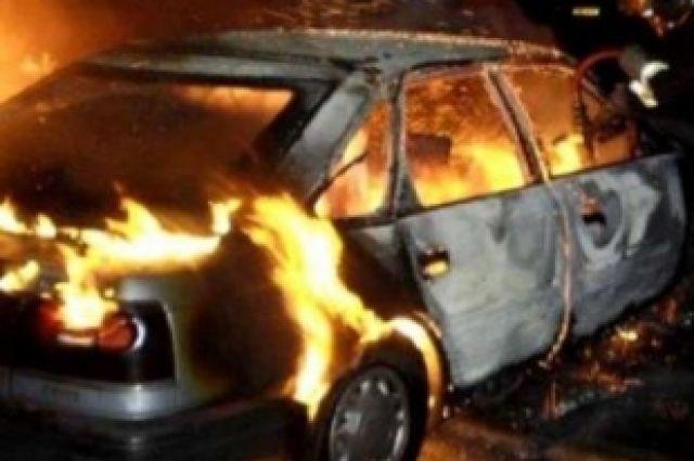 В Хабаровске тушили машины.