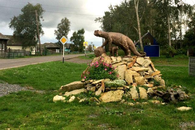 Динозавры прославили кузбасское село Шестаково на весь научный мир, но для туриста поездка туда до сих пор может стать сложным испытанием, как в какую-нибудь необитаемую пустыню.