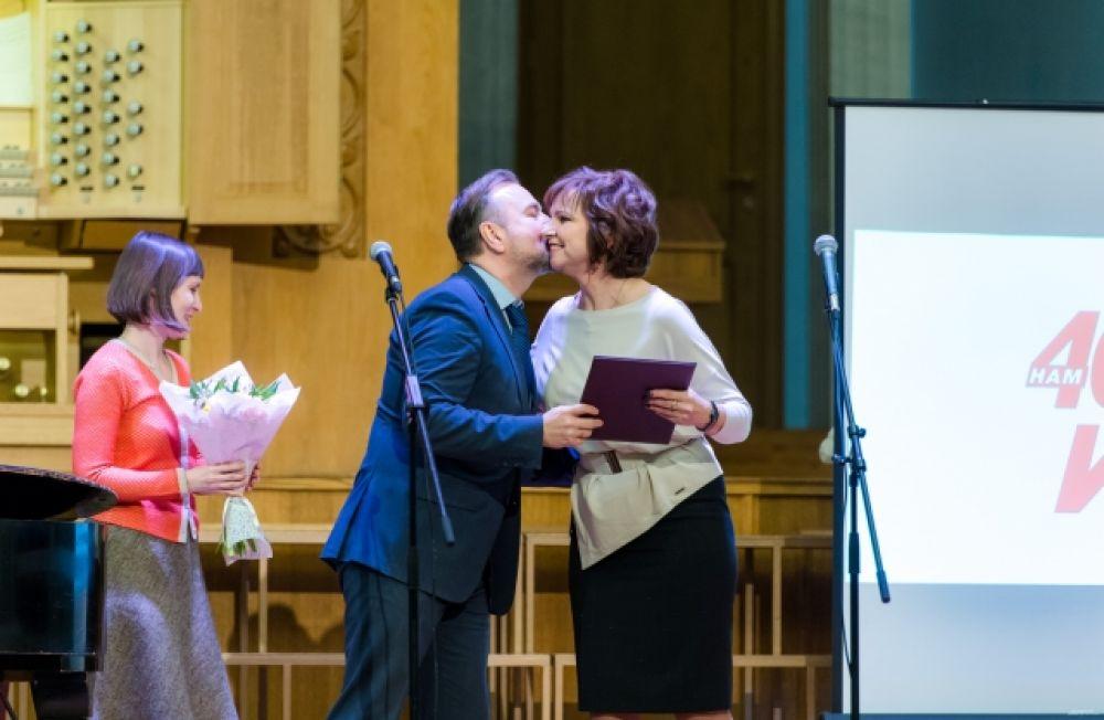 Сотрудников «АиФ-Челябинск» наградили заместитель губернатора Челябинской области Вадим Евдокимов, представители Законодательного собрания, партнёры.